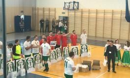 Halowy turniej piłki nożnej w Liszkach (video)