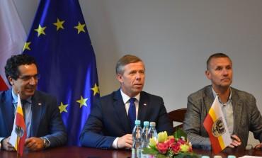 Ponad 13 mln złotych dla oświęcimskich samorządów