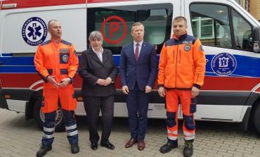 Nowa karetka dla Oddziału Krakowskiego Pogotowia Ratunkowego w Kocmyrzowie